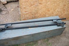 AUTO ROOF BARS FOR HAULING  ITEMS ON ROOF in Alamogordo, New Mexico