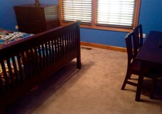 Bedroom furniture set (PRICE REDUCED) in Naperville, Illinois