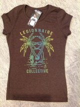 New w/tags women's tee, Size M in Fairfield, California