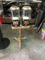 Some new ,,candy machine with keys and paperwork in Alamogordo, New Mexico