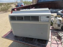GE 18000 BTU 220 AC UNIT in 29 Palms, California