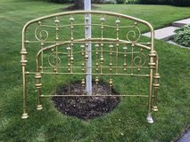 Brass Queen Bed in Bolingbrook, Illinois