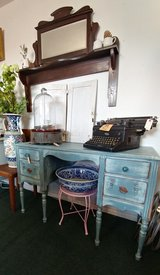 Blue Shabby French Desk/Vanity in Alamogordo, New Mexico