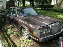 1987 Lincoln in St. Charles, Illinois