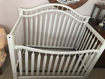 White Crib/convertible toddler bed in Camp Pendleton, California