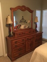 Queen Bed Set in Kingwood, Texas