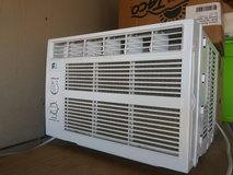 Window ac unit like new in 29 Palms, California