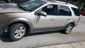 Parting out 2006 Ford Freestyle AWD in Camp Lejeune, North Carolina