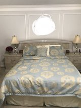 Queen/Kings size 7 pieces bedroom set in Conroe, Texas