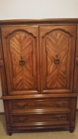 Queen size 4 pc bedroom set in Palatine, Illinois