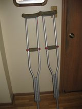 Adjustable crutches in Bartlett, Illinois
