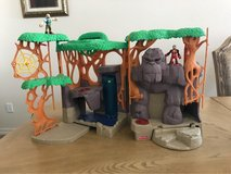Imaginext gorilla jungle & two figures in Fort Bliss, Texas