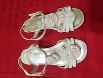Girls sandals with heel in Kingwood, Texas