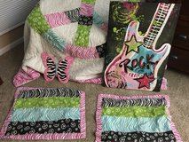 Girls queen size comforter set and wall art in Palatine, Illinois