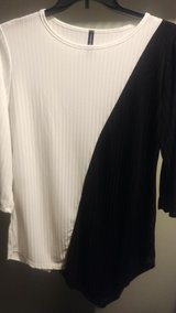 dolce Bianca black whitre l xl new w tags in Tinley Park, Illinois