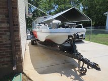 1974 Glasmate fishig boat in Fort Campbell, Kentucky