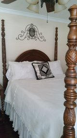 Queen bed in Spring, Texas