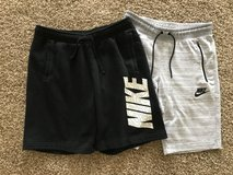 Men's Nike Medium Shorts in Naperville, Illinois