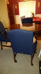 Parker Southern table with 4 chairs in Camp Lejeune, North Carolina