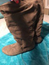 Women's boots size 11 in Warner Robins, Georgia