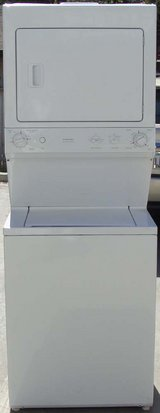 STACK GE WASHER & DRYER ( FULL SIZE ELECTRIC) in Camp Pendleton, California