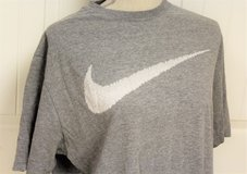 Nike XL Gray White Swish Work Out Gym Standard Fit Graphic Tee T-Shirt Men Cross Fit in Kingwood, Texas
