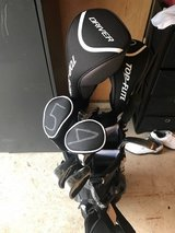 Golf Clubs Full Set Men's Right Handed in Shorewood, Illinois
