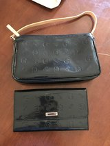 Guess purse and wallet in Quantico, Virginia