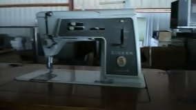 Singer sewing machine and table in Alamogordo, New Mexico