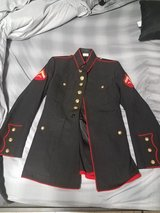 Marine Corps Dress Blue Blouse 37R in Fort Belvoir, Virginia