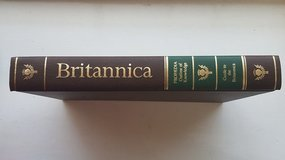 encyclopedia britannica complete set 32 hardback books in Lakenheath, UK