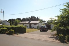 Schlossheck-3Bd/2.5 Ba + 2 Gar & Fenced Yard; Stand Alone & Pets Welcome! in Spangdahlem, Germany