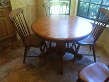 Round wood table w/ 4 chairs in Beaufort, South Carolina