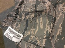 Ladies new abu pants 8 short in Ramstein, Germany