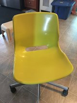 Used Light Green Desk Chair in Quantico, Virginia