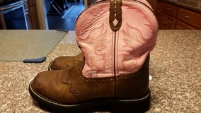 Ladies justin boots in Beaufort, South Carolina