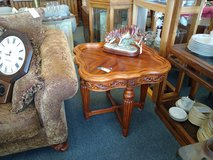 Ornate Wood side end table in Bartlett, Illinois