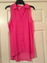 Candie's Sleeveless Button Down [M] in Beaufort, South Carolina