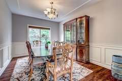Walter E. Smithe Dining Room set w/ curio in St. Charles, Illinois