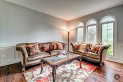 Walter E. Smithe Living Room Furniture in St. Charles, Illinois