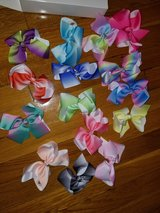 15 piece Girls hair bow lot in Fort Leonard Wood, Missouri