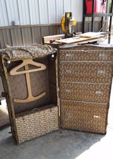 Steamer Trunk-Antique in Fort Campbell, Kentucky
