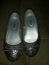 Sparkle dress shoes in Fort Campbell, Kentucky
