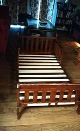 wooden toddler bed in Macon, Georgia
