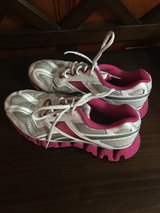 women's size 6 Reebok's in Liberty, Texas