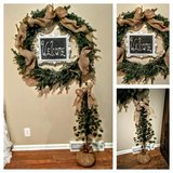 christmas front door set in Fort Campbell, Kentucky