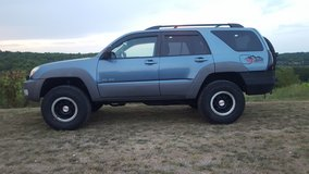 Toyota 4runner 4x4 v8 nice trade or sale in Fort Leonard Wood, Missouri