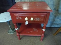End Table - shell and sealife in Cherry Point, North Carolina