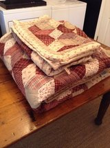 The Company Store Quilt Bedspread Queen Size standard size pillow shams in Fort Campbell, Kentucky