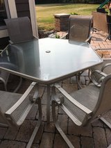 7 piece Martha Stewart Living patio set in very good condition 6 nice chairs and 1 table ready t... in Naperville, Illinois
